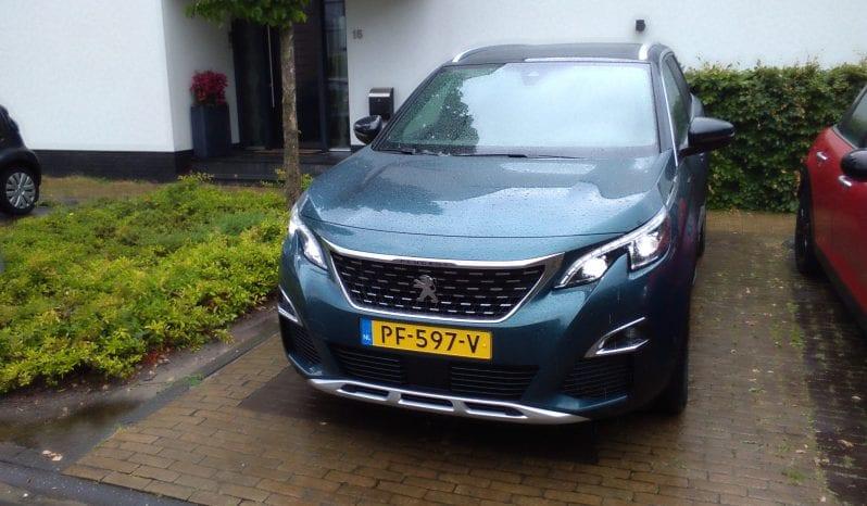 Peugeot 5008 SUV vol